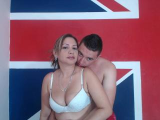 Picture of the sexy profile of Sandraandjulian, for a very hot webcam live show !