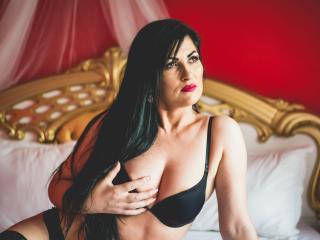 JulieHott porn chat room