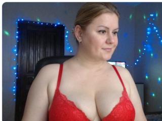 Webcam model BlackEyesEva from XLoveCam