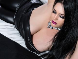 Webcam model Curvyxbody from XLoveCam