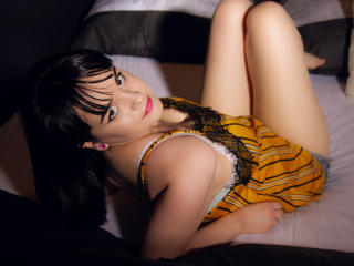 Webcam model DearMaribell from XLoveCam