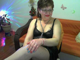 Webcam model Hyllda from XLoveCam