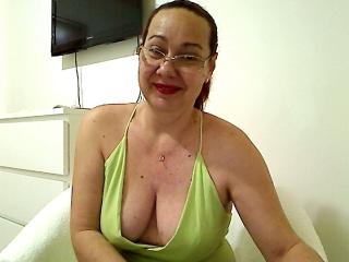 JolieFemmeX webcam