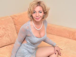 Webcam model LadyDelight from XLoveCam