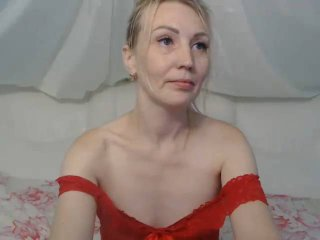 Webcam model NicoleRouse from XLoveCam