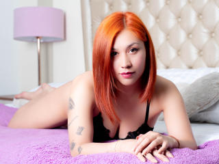 Webcam model ValerieBestX from XLoveCam